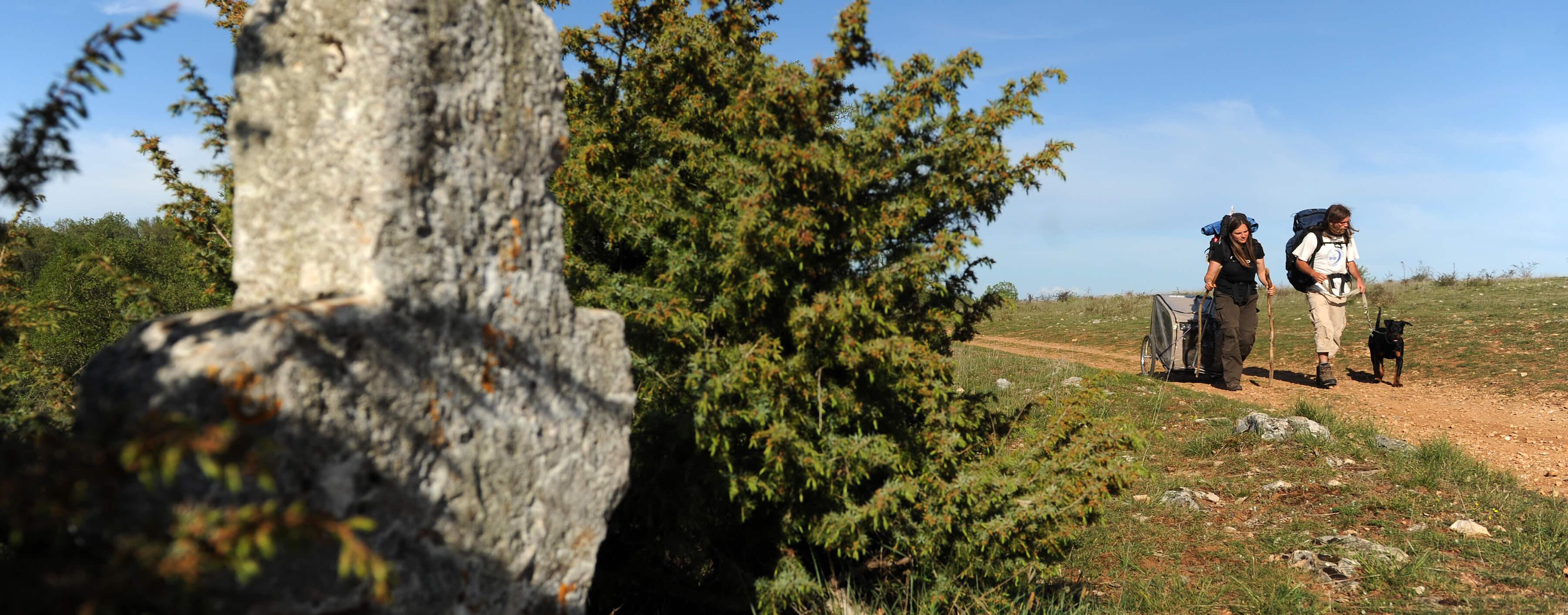 Sentier entre Faycelles et Cajarc©ACIR / JJ Gelbart